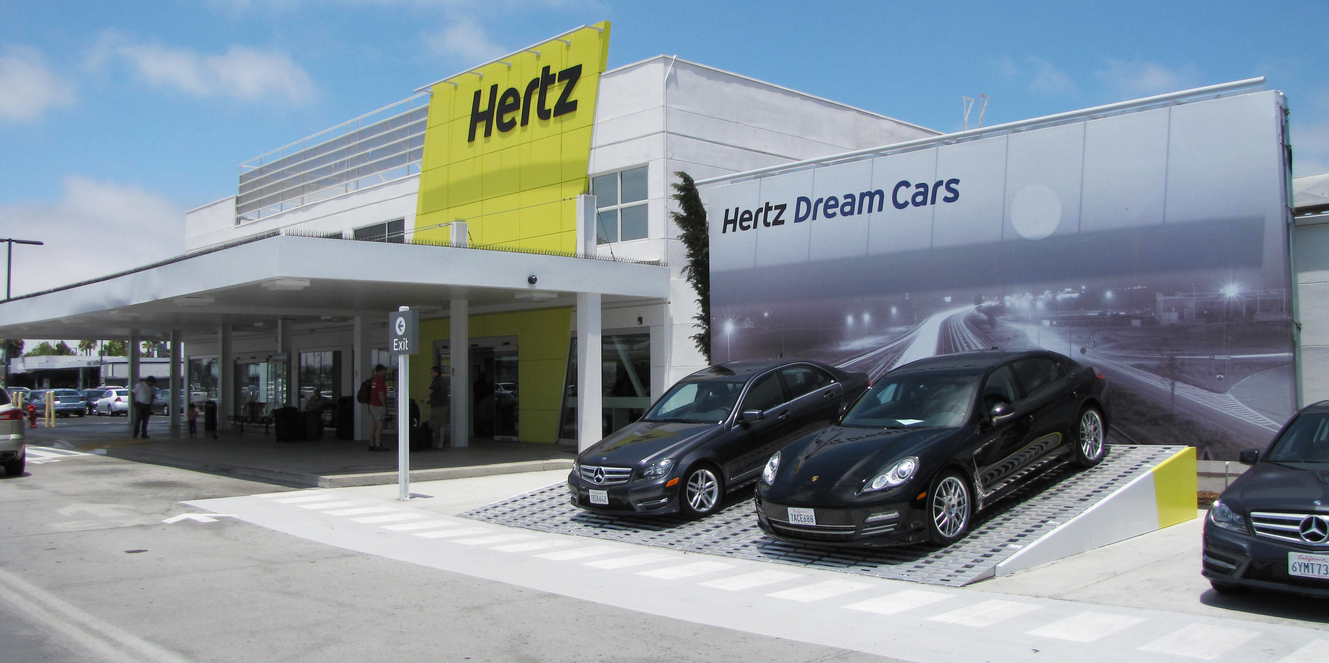 Orlando international airport hertz car return